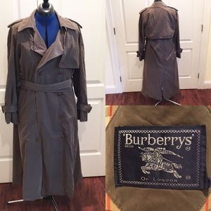 Burberry trench coat w/removable wool line…